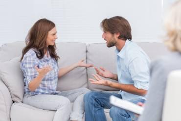 Izzivi v prvih letih zakona in zakonska terapija